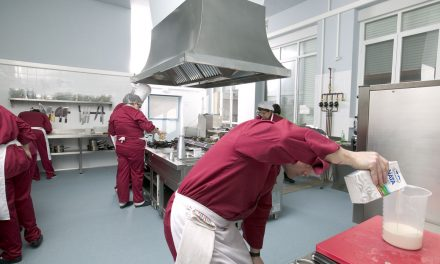 Comienza el taller FOD de Operaciones Básicas de Cocina